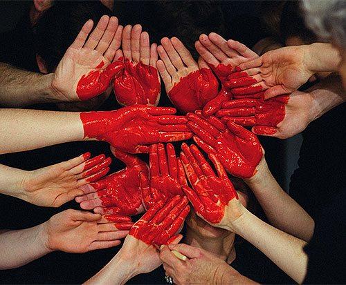 heart-hands-tall