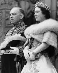 Britain's Queen Elizabeth and Canada's Prime Minister William Lyon Mackenzie King.