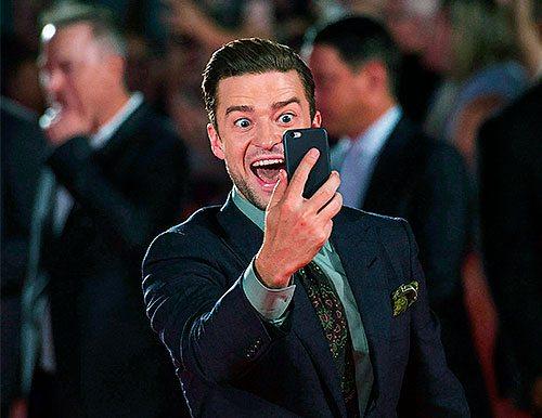 Justin Timberlake taking a selfie.